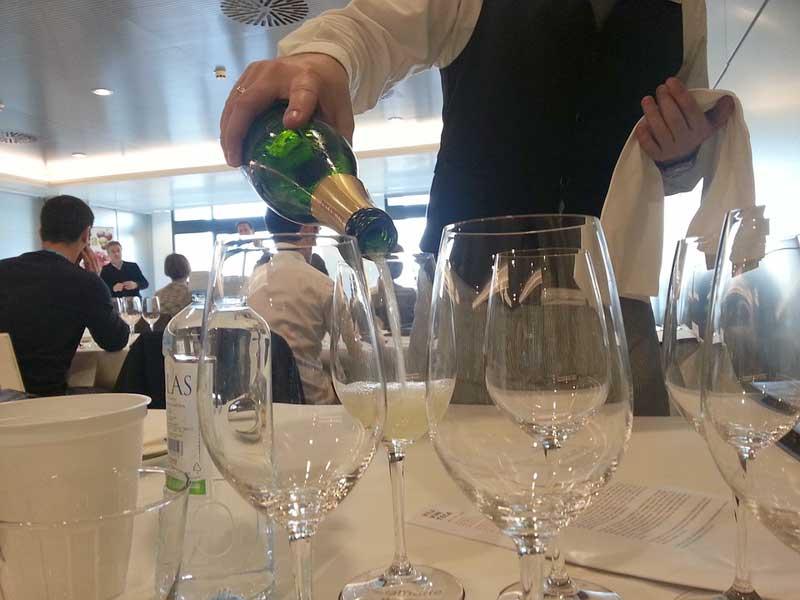 Evento colegial: cata de vinos