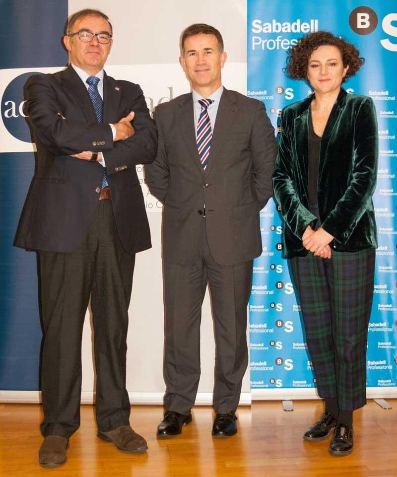 Firma del convenio entre Sabadell y Cafbizkaia