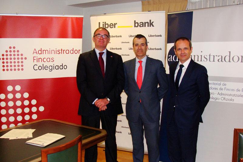Firma del convenio de colaboración con el Banco Liberbank