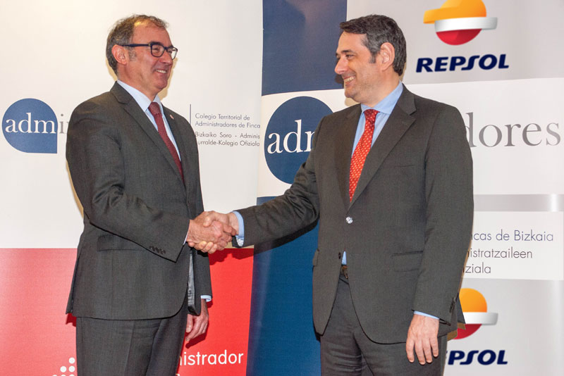 Firma entre Repsol y CAF Bizkaia