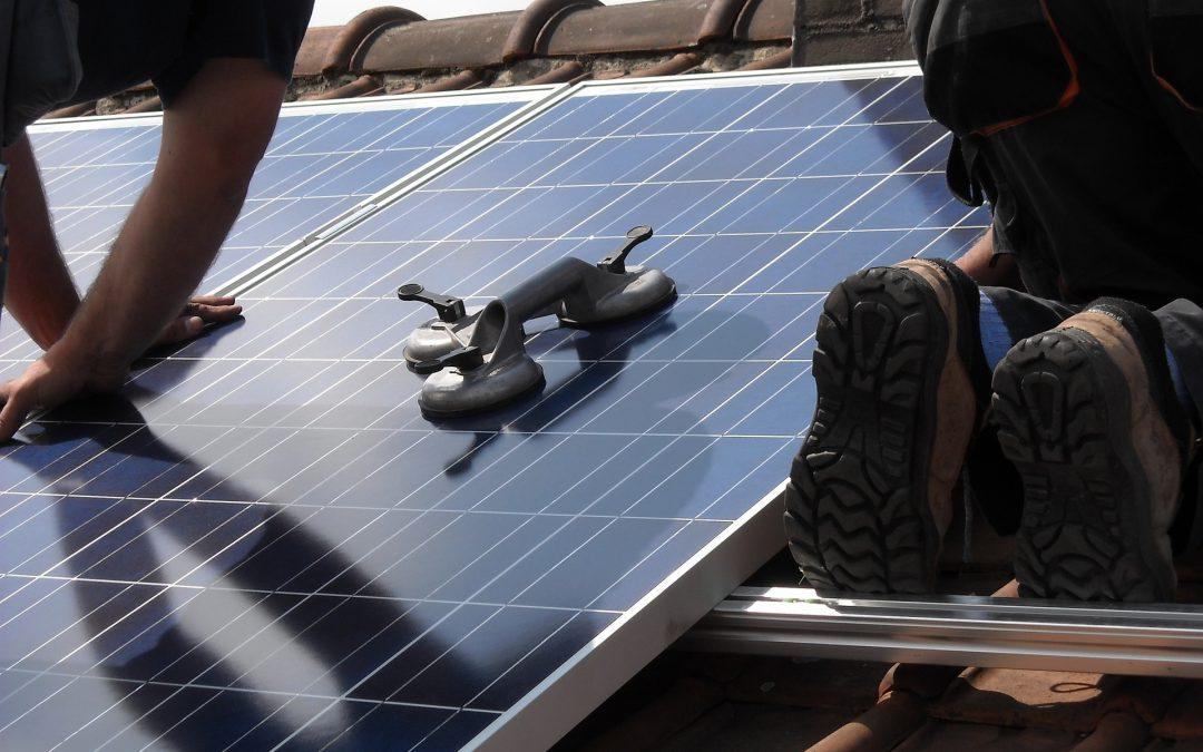 Instalación de placas solares en edificio de Bilbao